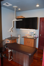 dr.-college-children--s-dentist-treatment-room
